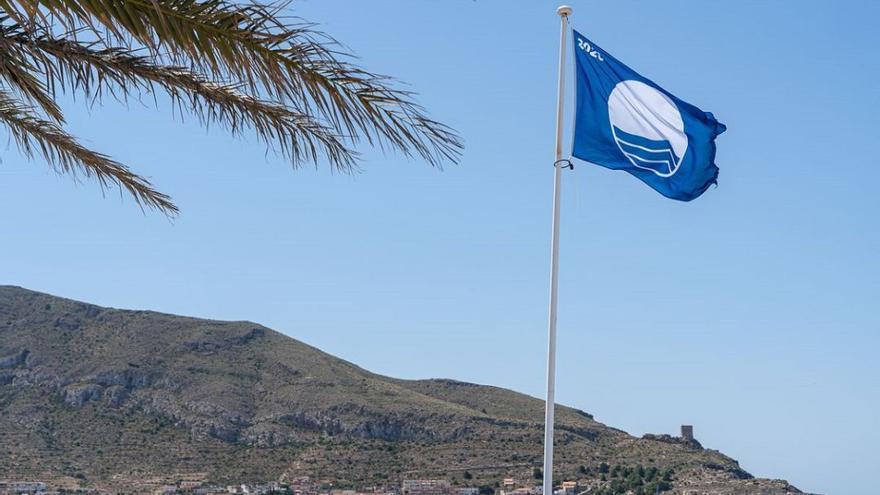 La Región mantiene sus banderas azules en 2021 y cumple un lustro sin ellas en el Mar Menor
