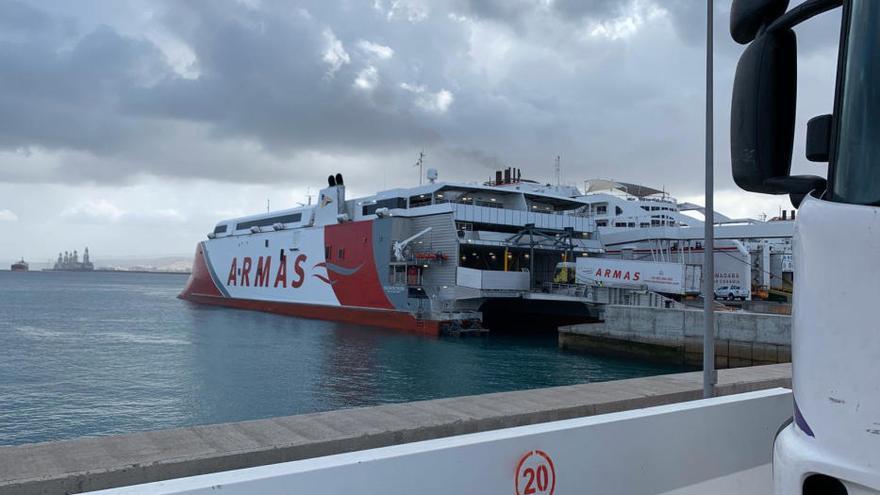 Operativas de mercancías de Naviera Armas Trasmediterránea