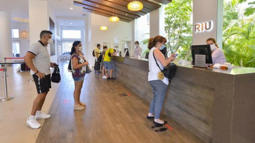 El fin del estado de alarma no anima la reapertura de hoteles en Canarias