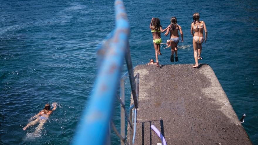 El nuevo servicio de socorrismo de Santa Cruz de Tenerife costará 4,2 millones y cubrirá más playas