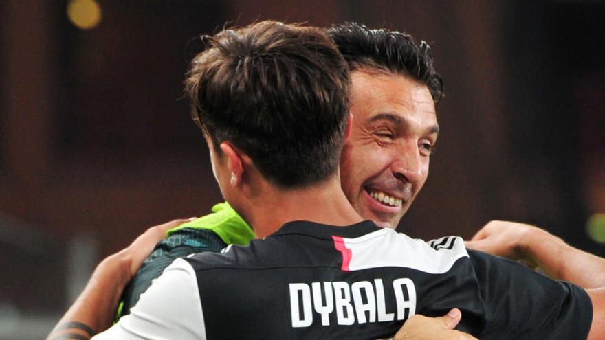 Buffon supera a Maldini en partidos jugados en la Serie A