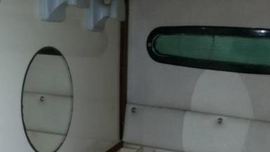 Schrottboot auf Mallorca als Ferienwohnung angeboten