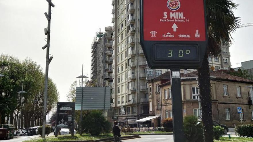 Temperaturas que alcanzan 32 grados llenan de gente el litoral