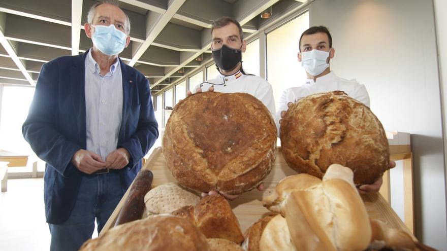 La UCO y los panaderos Hnos. Fernández recuperan el pan cordobés de la edad media