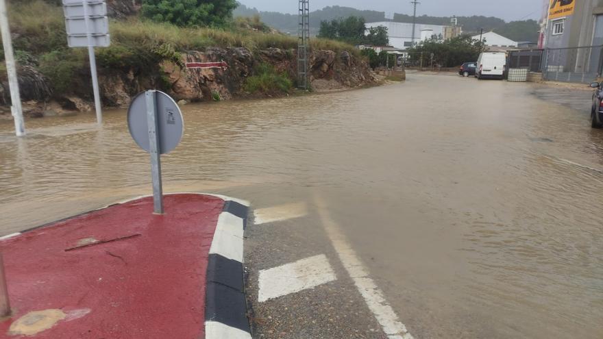 Inundaciones y caminos cortados en La Safor por las lluvias
