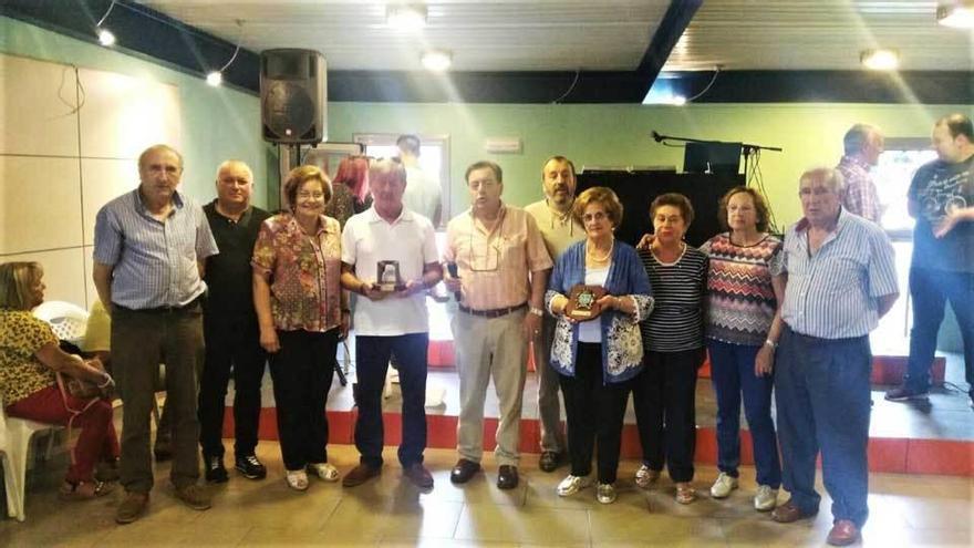 """""""Los Más Grandes"""" celebraron el 27.º aniversario del hermanamiento con """"El Descanso"""" de El Coto (Gijón)"""