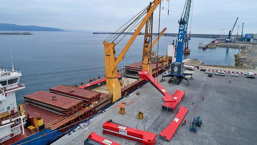 El tráfico de mercancías en el puerto de A Coruña ya supera las cifras anteriores a la pandemia