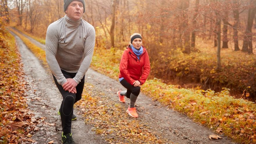 Perder peso después de los 40 años: El sencillo gesto que te ayuda a tener un vientre plano