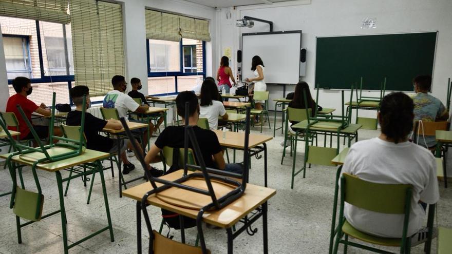 Educación estudia si mantiene o no a los 1.500 docentes de refuerzo el año que viene