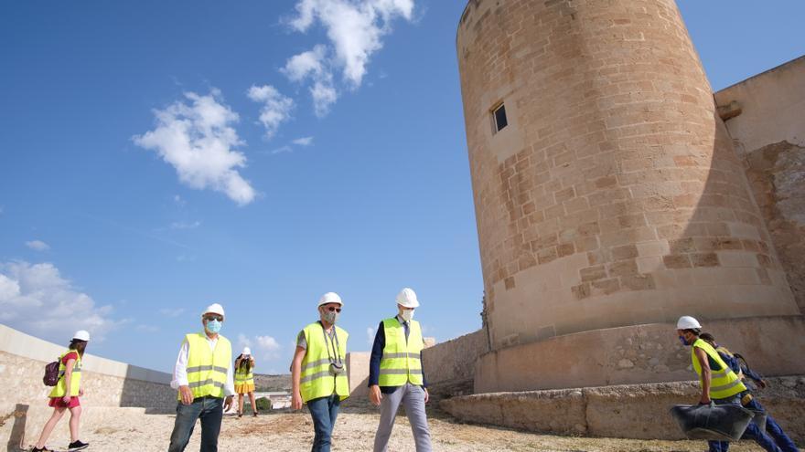 Elda retoma la restauración del castillo para que abra sus puertas en dos años