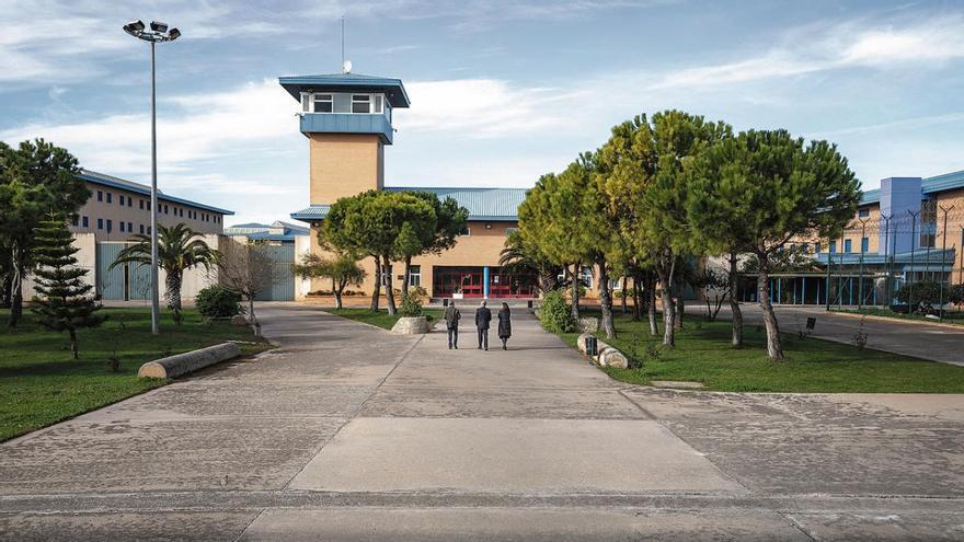Cuatro funcionarios heridos al sofocar un intento de motín en la cárcel de Palma