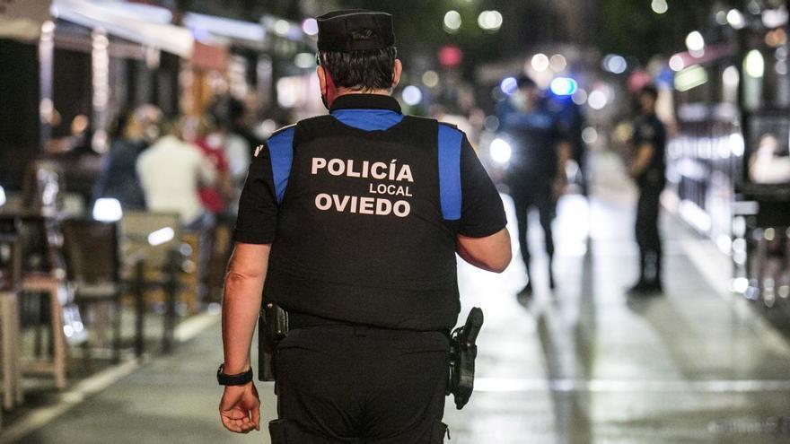 Aislados seis policías locales de Oviedo al contactar uno de ellos con un amigo murciano que dio positivo
