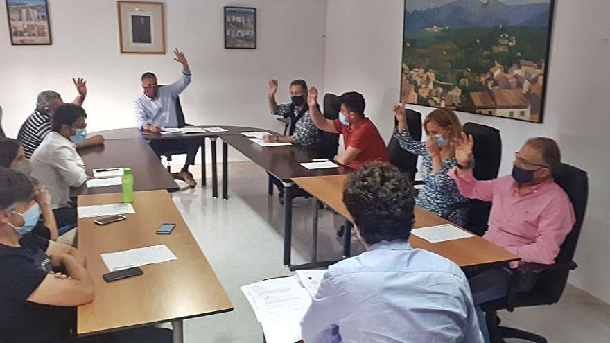 El alcalde de Búger se niega a explicar al pleno la inclusión del PP en el equipo del PSOE