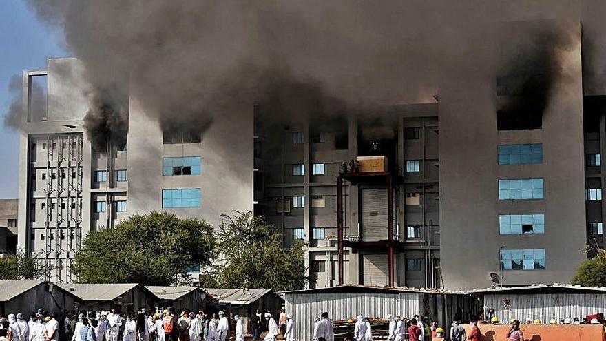 Cinc morts en un incendi a l'Índia