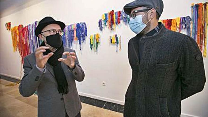 La sala Coll Alas de Gandia acull la mostra de teixits «La trama continua»
