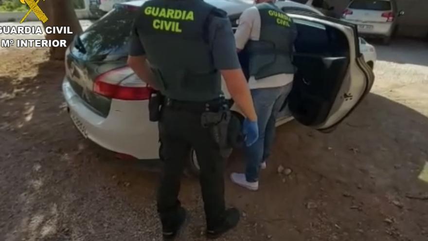 La Guardia Civil detiene a un hombre por abusar sexualmente de una joven en un parque de Chiva