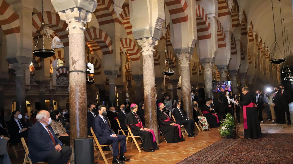 Vista institucional a la Capilla del Espíritu Santo y el renovado Palacio Episcopal