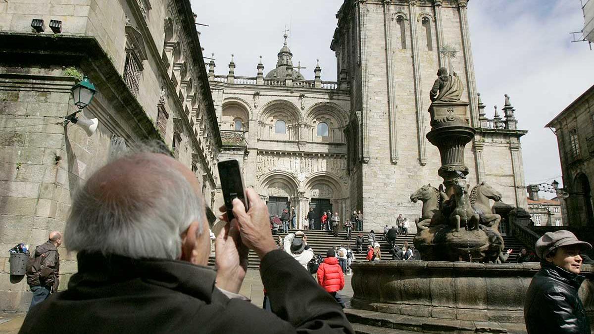 Peregrinos y turistas en Santiago de Compostela