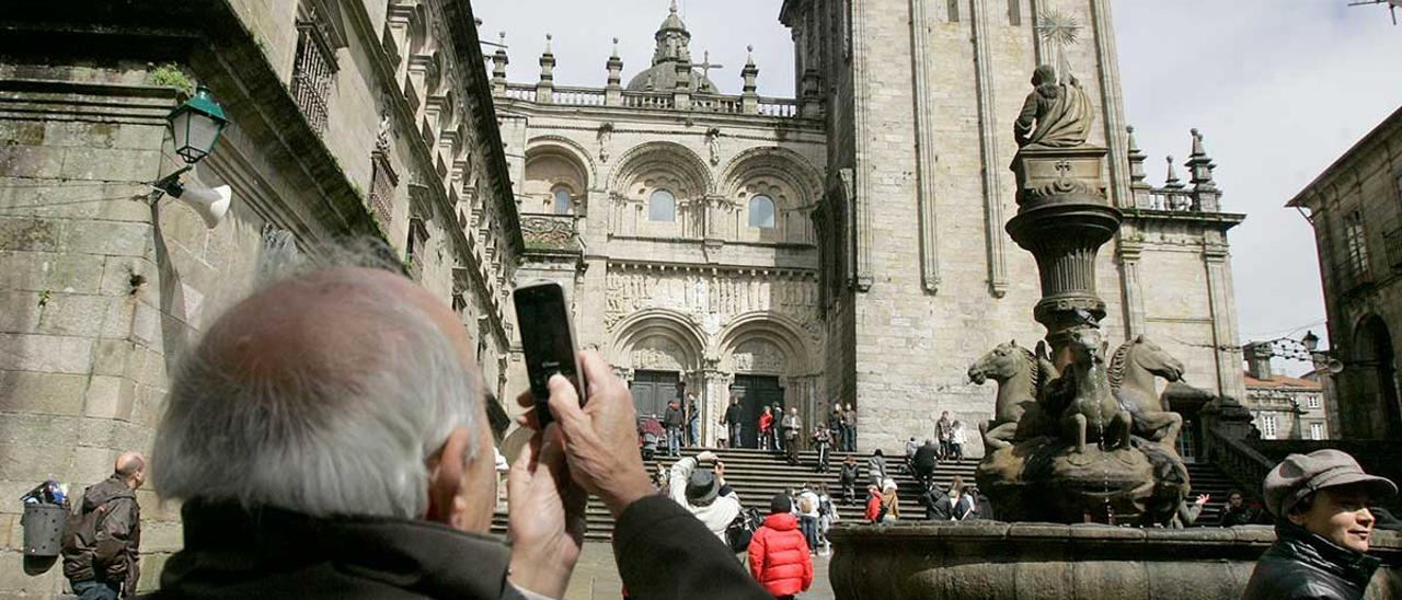 Peregrinos y turistas en semana Santa de 2018 en Santiago de Compostela