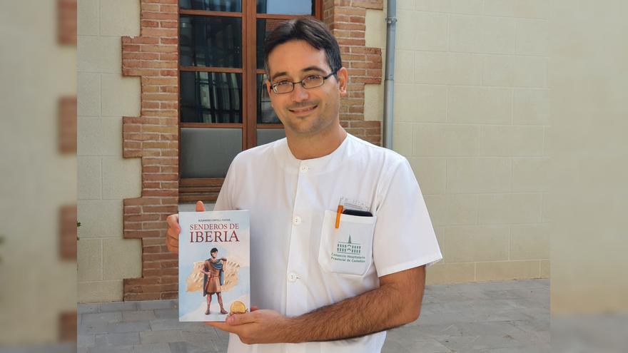 Alejandro Cortell: Cardiólogo en Castellón de día, escritor de novela histórica de noche