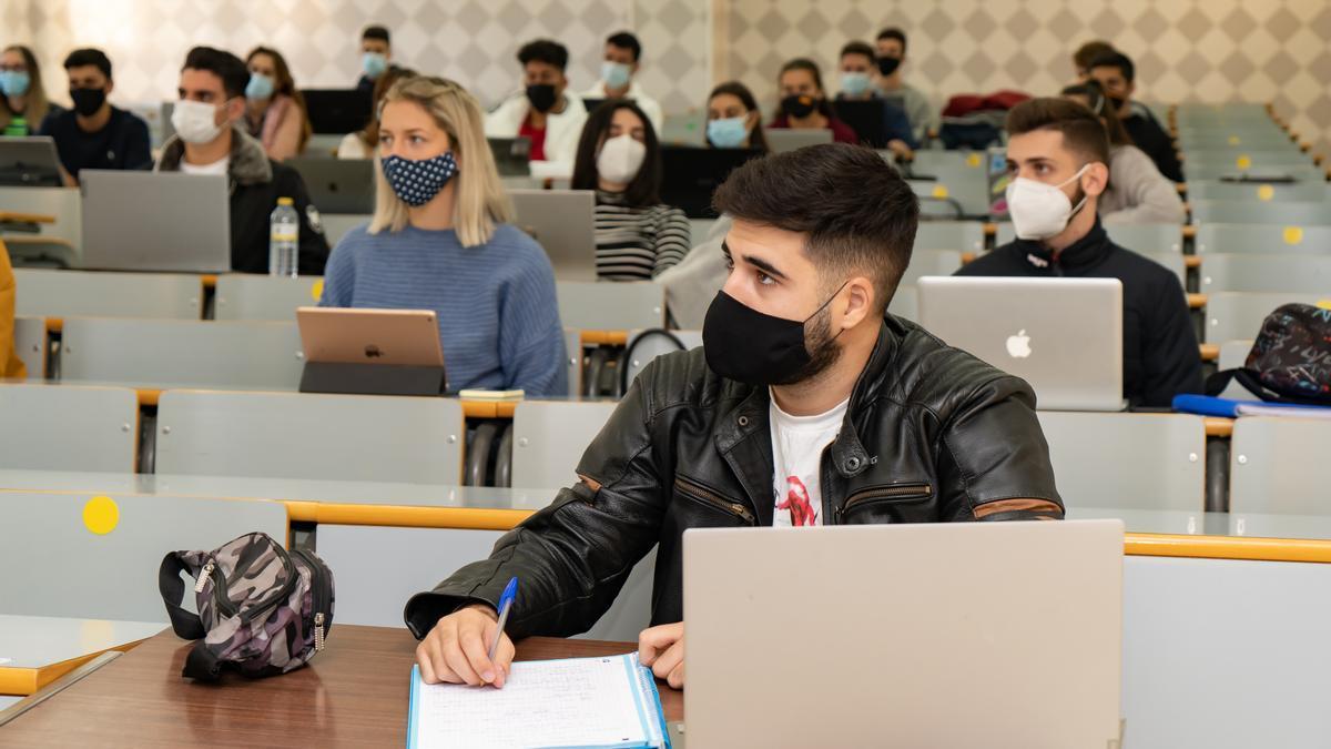 Alumnos en la Universidad de Málaga