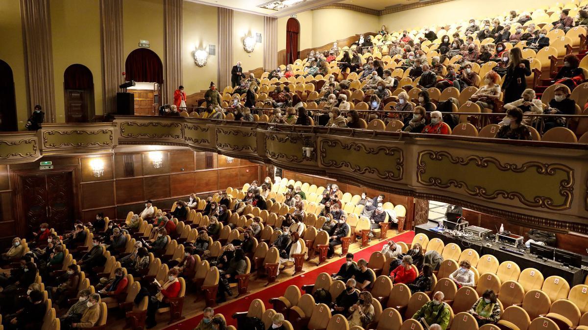 Público en el teatro Jovellanos