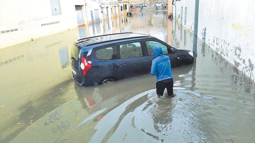 La borrasca deja más de 100 litros en Dénia y olas de hasta 2,5 metros