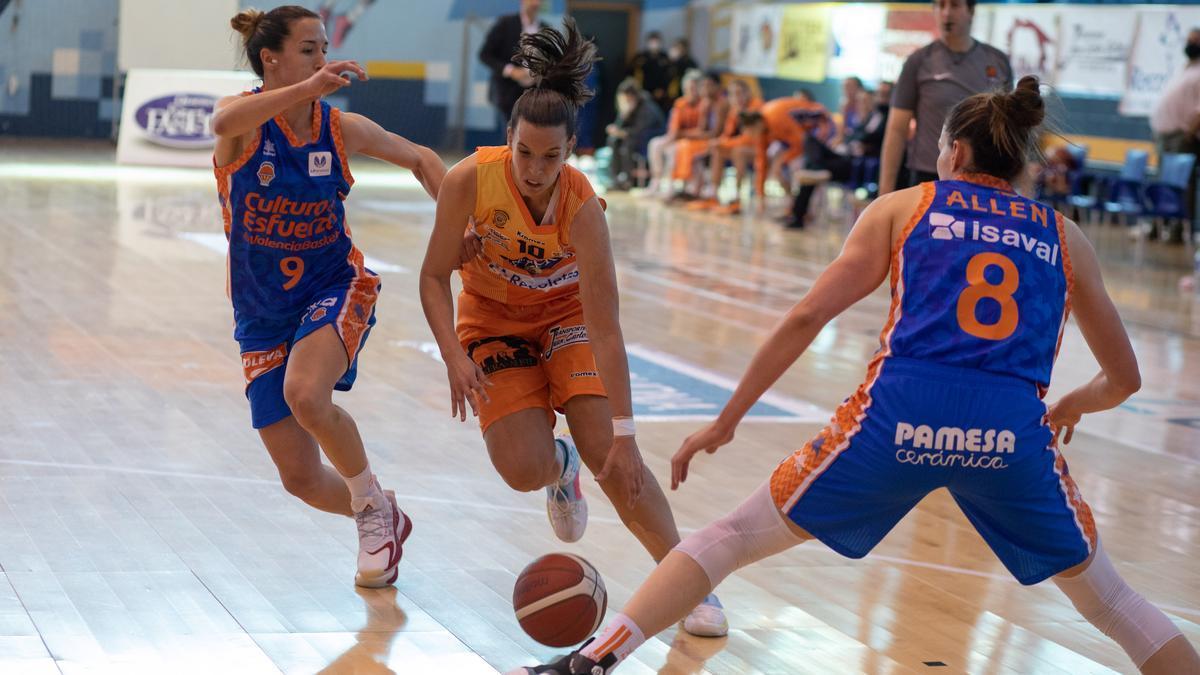 Marta Montoliu, durante un partido de esta temporada.