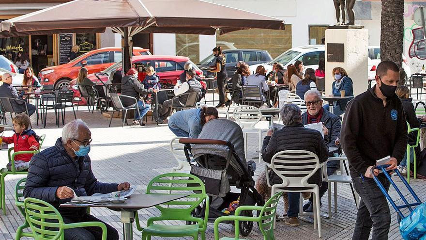 El Ayuntamiento de Ibiza exime a comercios y bares de pagar por la ocupación de la calle