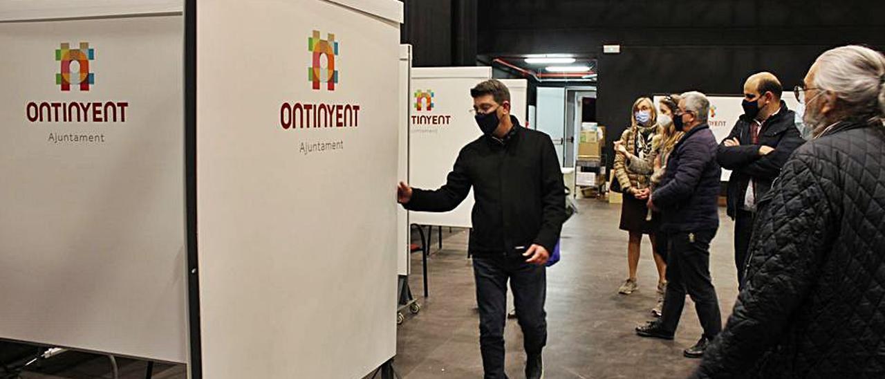 El alcalde de Ontinyent ayer en la Sala Gomis de la ciudad | LEVANTE-EMV