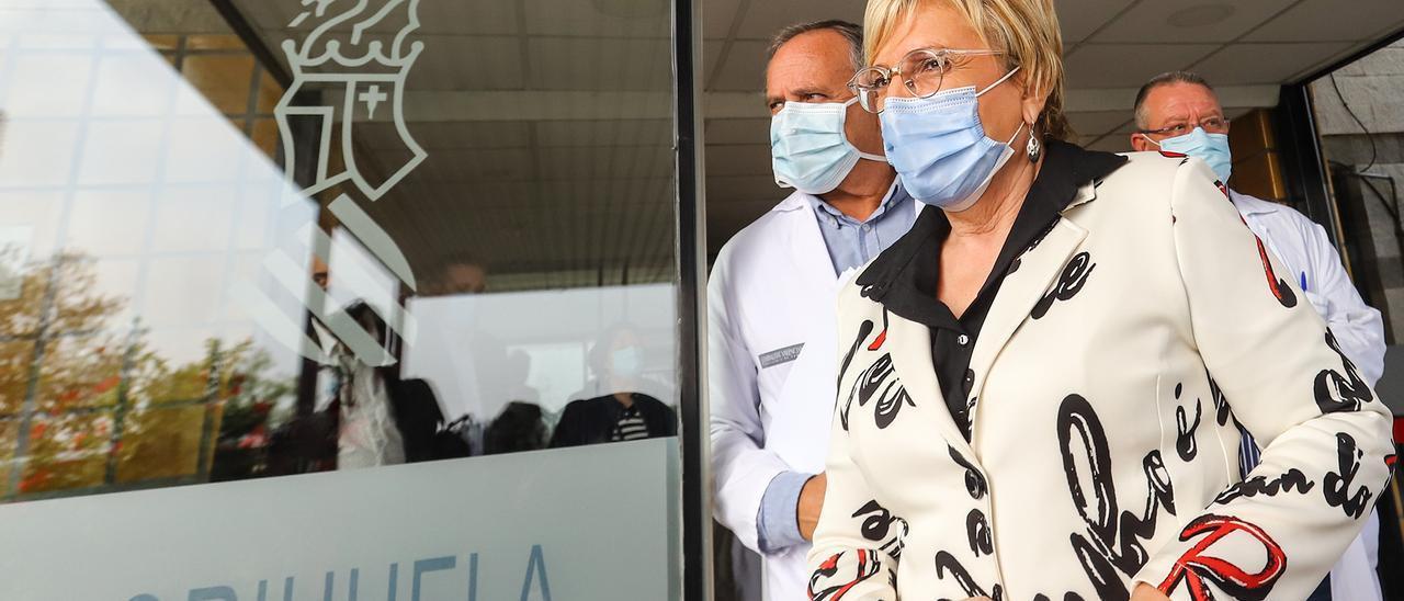 Imagen de una visita de la consellera Ana Barceló al Hospital Vega Baja de Orihuela