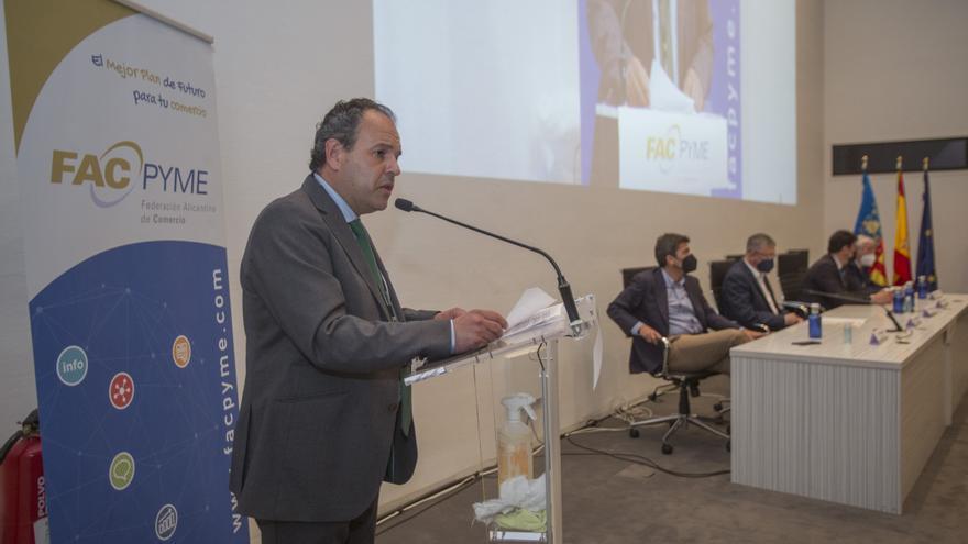 Carlos Baño reclama ayudas para el comercio en su toma de posesión como presidente de Facpyme