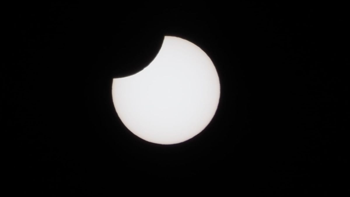 eclipse_jose_valdivia_ Cuntis2.jpeg
