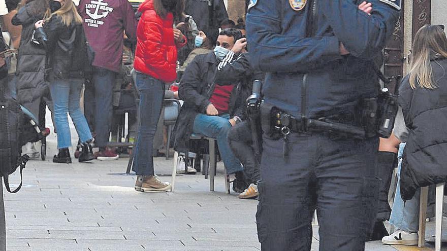 Denunciados dos bares en el primer día de la reapertura de la hostelería en A Coruña