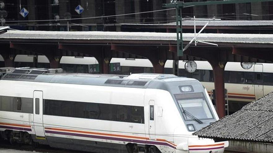 Descarrila un tren de media distancia en A Coruña sin causar heridos