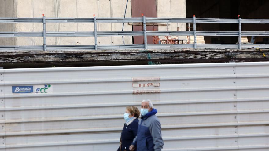 Degradación, óxido y nidos de cotorras en el nuevo Mestalla