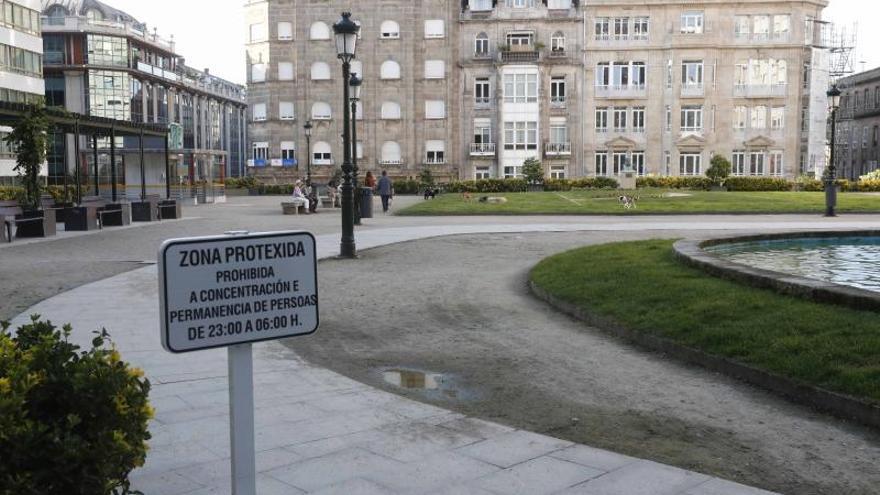Abortadas varias fiestas en viviendas de Vigo y pequeños botellones en Churruca