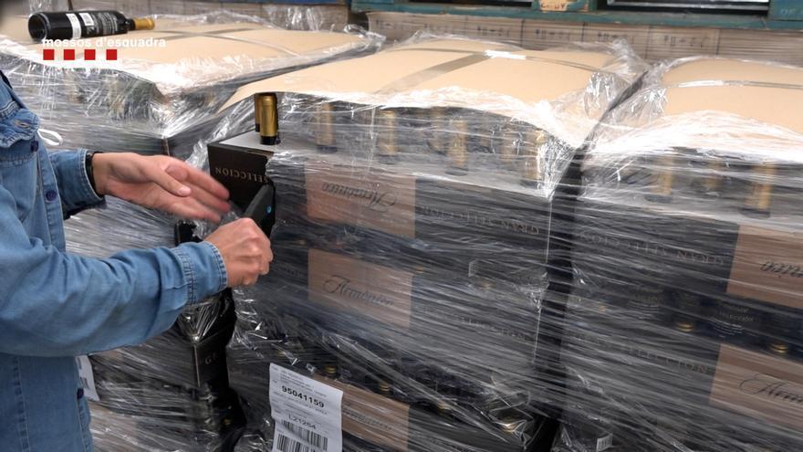 Una empresa vitivinícola del Baix Camp distribuïa entre 8 i 10 milions d'ampolles de fi fraudulentes l'any