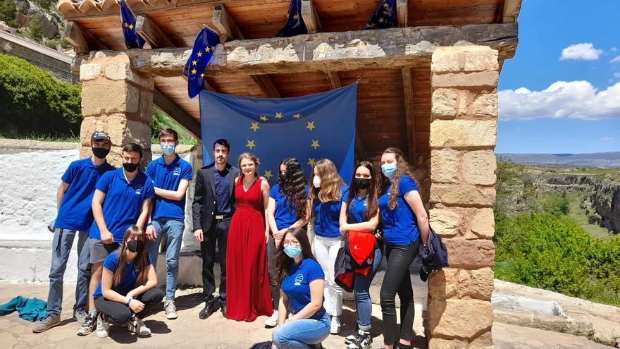 Alpuente celebra el Día de Europa gracias a sus estudiantes de 4º de la ESO