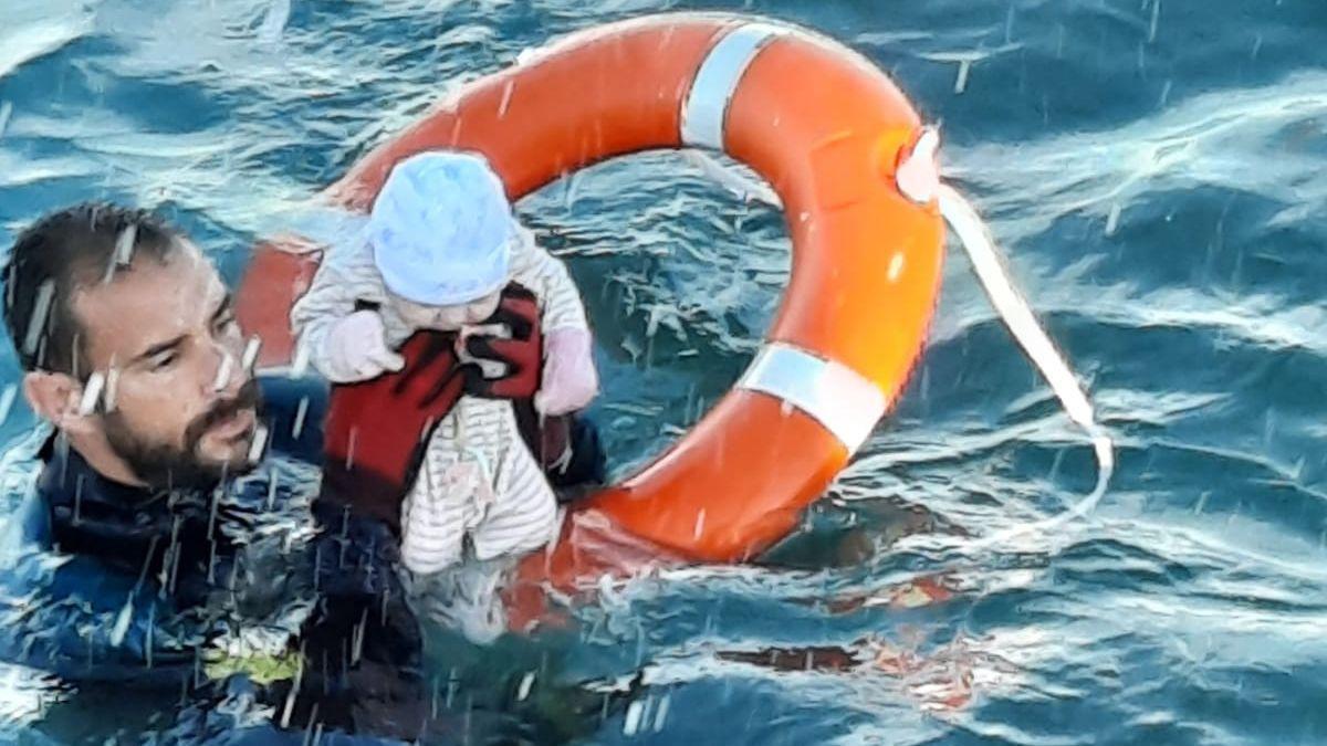 Rescat d'un nadó al mar, a Ceuta