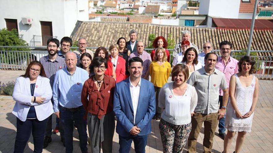 Maíllo quiere que los consistorios sean «contrapoder» del Gobierno andaluz