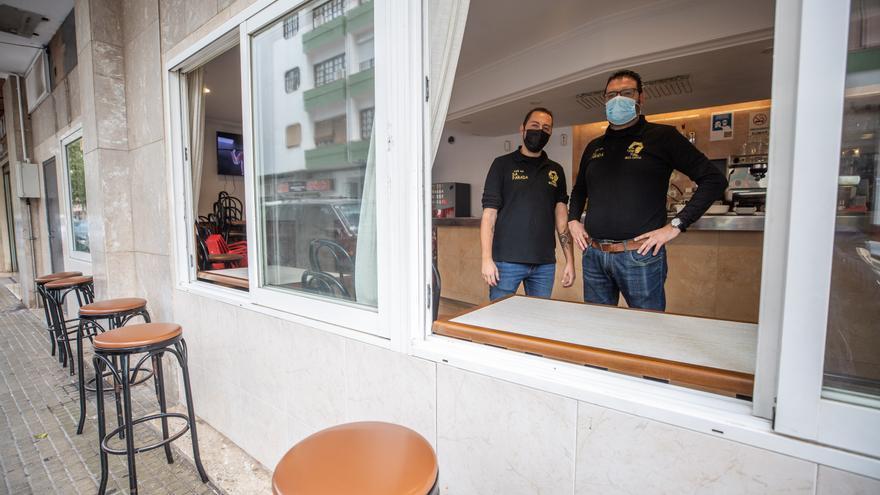 La apertura del interior de los bares en Ibiza será sólo para los que no tengan terraza