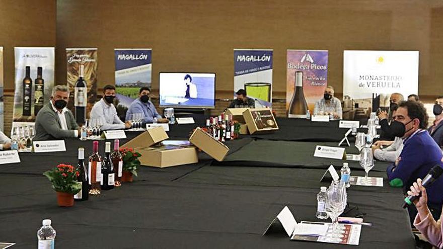 Éxito 'online' en  la cata de vinos jóvenes del 2020