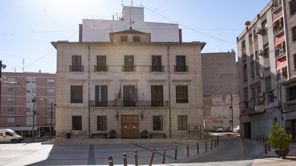 Una imagen del Ayuntamiento de Monóvar.