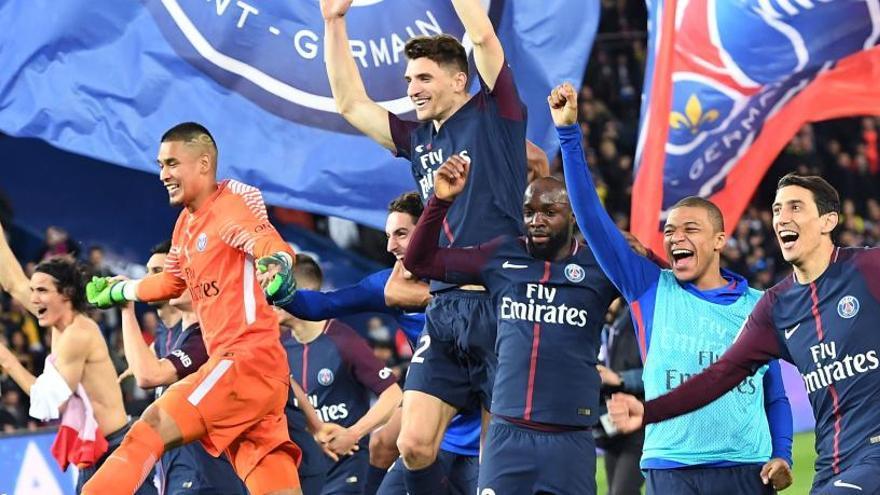 El PSG sella el  título de liga humillando al Mónaco