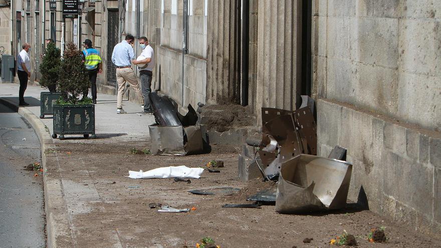 Una turista resulta herida tras salirse de la vía un coche de la Policía Local de Ourense en servicio urgente