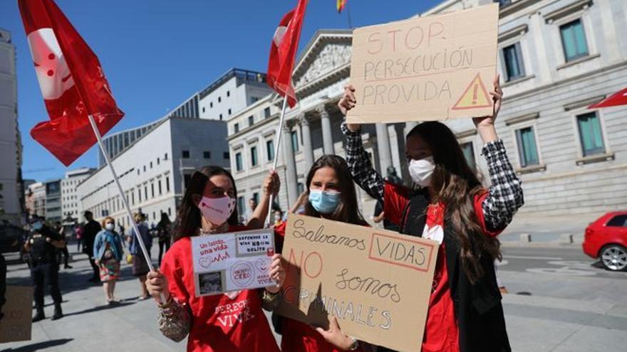 El Congreso tramitará la ley que penaliza el acoso en las clínicas abortivas