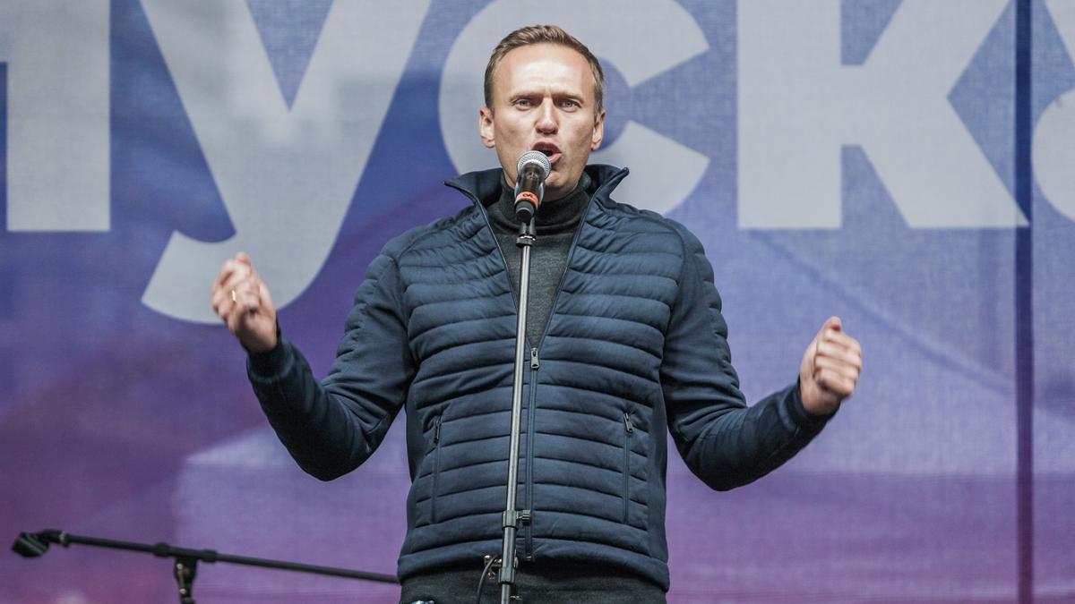 Alexei Navalni en una manifestación