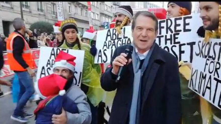 La San Silvestre llena Vigo de fiesta y deja una promesa de Caballero a 'Greta Thunberg'