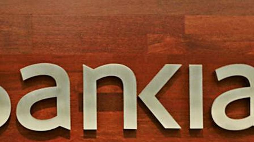 El recorte de plantilla de Bankia y CaixaBank se hará en dos fases